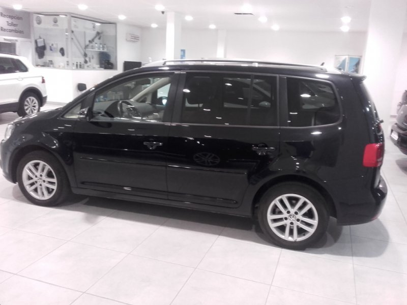 Volkswagen Touran 2.0 TDI 140cv Tech Advance Bluemotion