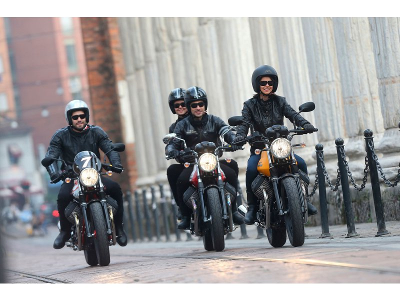 Moto Guzzi V7 Stone Biciíndrico de 750cc Naked