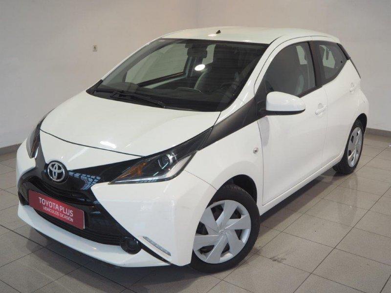 Toyota Aygo 1.0 70 business x-play