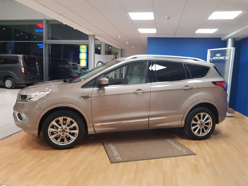Ford Kuga 2.0 TDCi 132kW (180CV) 4x4 ASS Powers. Vignale
