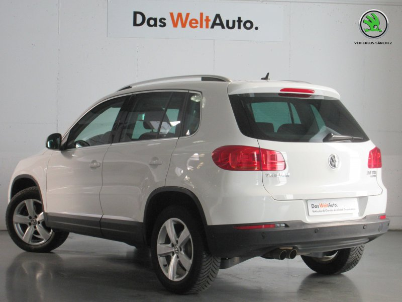 Volkswagen Tiguan 2.0 TDI 140cv DSG 4x4 Sport BMotion Tech Sport BlueMotion
