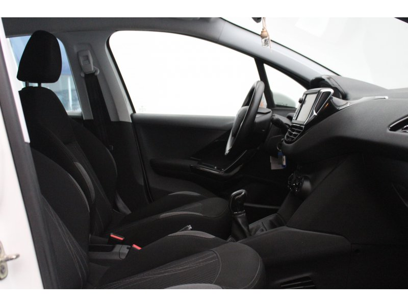 Peugeot 208 5P ACTIVE 1.6 e-HDi 92 Active