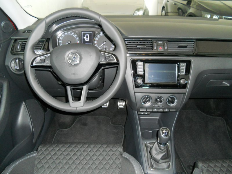 Skoda Spaceback 1.4 TDI CR 90cv Spaceback-FINANCIADO VW FINANCE Ambition