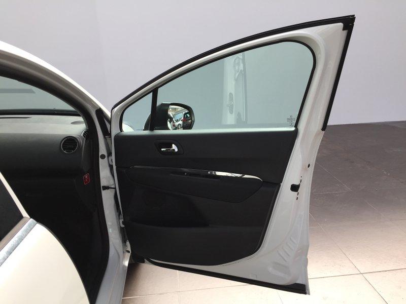 Peugeot 5008 1.6 e-HDI 115 FAp Active