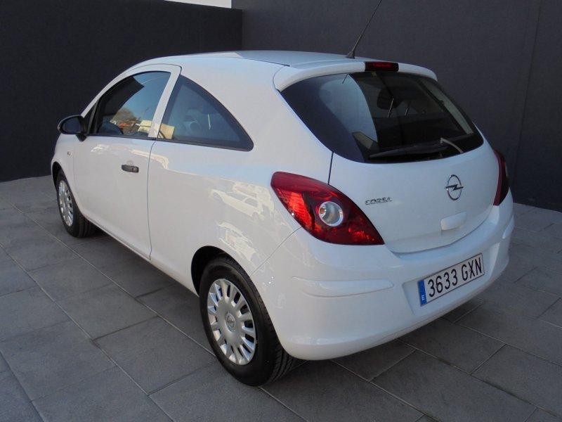 Opel Corsa 1.2I 85CV Essentia