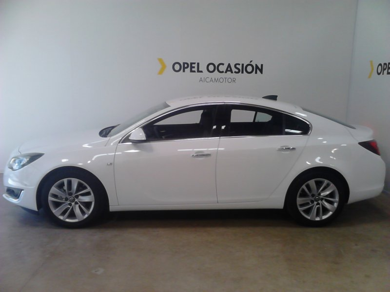 opel insignia 1 6cdti star stop ecoflex 136 excellence diesel blanco en barcelona con 13000 kms. Black Bedroom Furniture Sets. Home Design Ideas