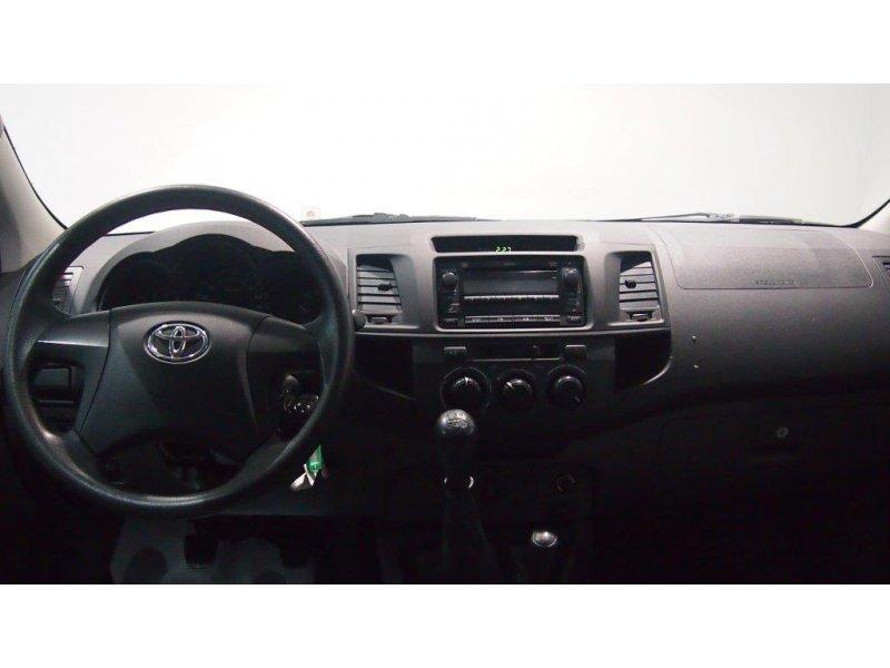Toyota Hilux 2.5 D-4D Doble Cabina 4x4 GX