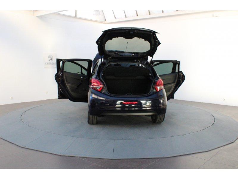 Peugeot 208 5P STYLE 1.6 BlueHDi 75 Style