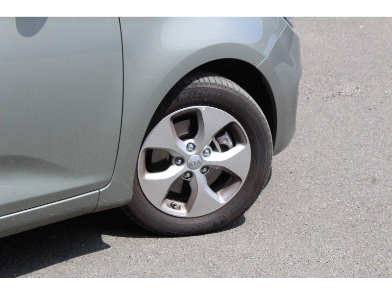 Kia Carens 1.7 CRDi VGT 115CV Eco-Dynam 5pl x-Tech