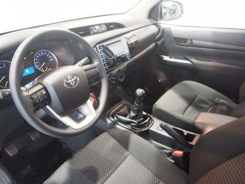 Toyota Hilux 2.4 D-4D Cabina Doble 4x4 GX