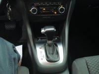Volkswagen Golf VI 1.6 TDI 105cv DPF DSG Advance 3P